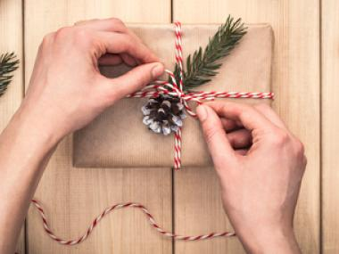 5 Tips to Save Money on Wrapping Paper