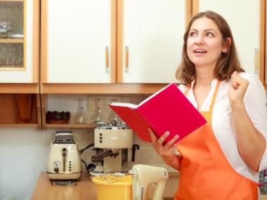 6 Ingenious Tricks for Using Cookbooks in the Kitchen