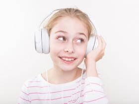 From Audiobooks to Art Lessons—5 Fun, Digital Activities for Kids